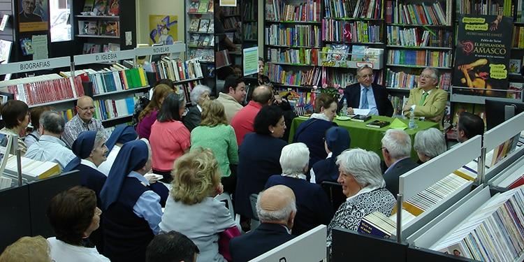 Presentación del libro de Pedro Miguel Lamet en Librería Paulinas Madrid
