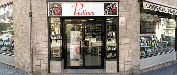 Entrada a la librería Paulinas de San Bernardo, Madrid