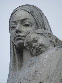 Detalle del Monumento a la Virgen de las Nieves