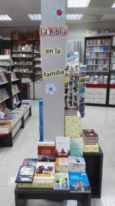 Sección la Biblia en la familia