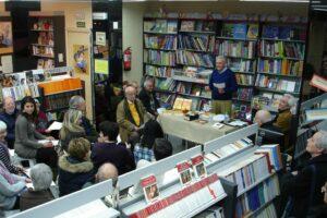 Presentacion del libro Mi Biblia en las trincheras en la libreria paulinas de Madrid