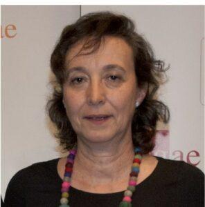 Carmen Lopez Manterola firmara su coleccion de Calacuentos en la caseta 121 de Paulinas