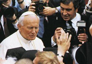 Arturo Mari y Juan Pablo II