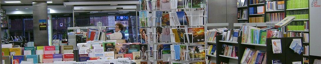 Vista interior de la librería Paulinas de Barcelona