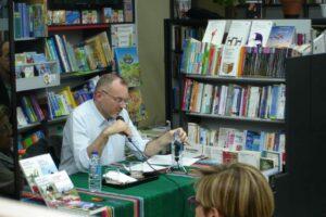 Paolo Scquizzato durante la presentacion de sus libros en Paulinas
