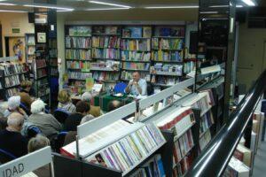 Paolo Scquizzato en la presentacion de sus libros en la libreria Paulinas