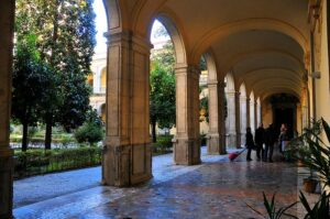 Colegio Mayor Santa Cruz la Real