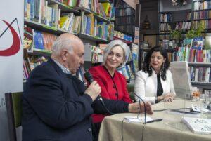 Carmen Guaita, Mª Angeles Lopez y Vicente Arteaga en la presentacion del libro Encuentros