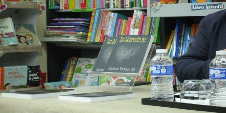 Presentacion del libro la llegada de un dios salvaje de jaime tatay en la libreria paulinas de madrid