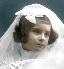 Conchita Barrecheguren de niña