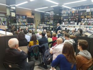 Presentacion de Atraidos por lo humilde de marta medina balguerias en la libreria paulinas