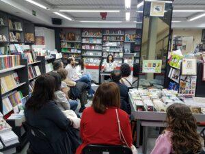Encuentros con la poesia con Silvia Relinque Feijoo en la libreria paulinas de Madrid