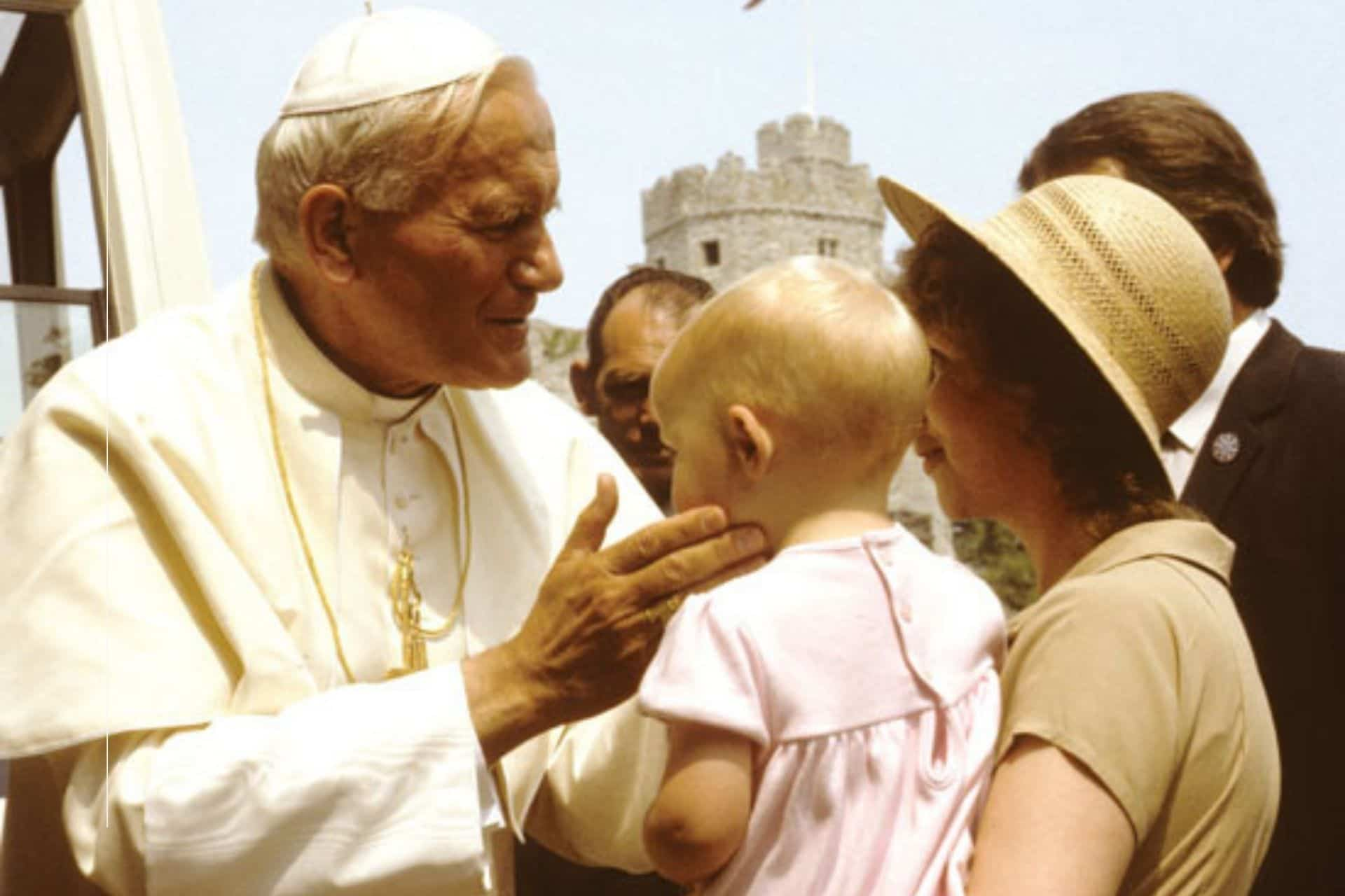 Cabecera San Juan Pablo II y la familia